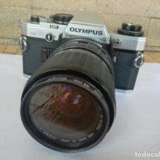 Cámara de fotos: CAMARA FOTOGRAFICA OLYMPUS OM10 CON OBJETIVO, VER FOTOS - FUNCIONANDO CORRECTAMENTE. Lote 283239128