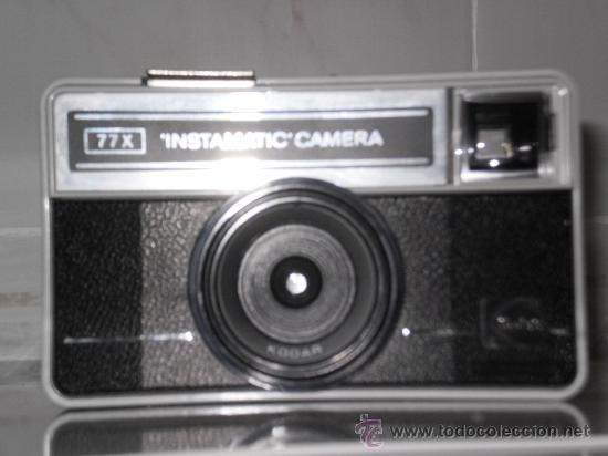 Cámara de fotos: CAMARA INSTAMATIC 77X DE KODAK , INCLUYE SU FUNDA ORIGINAL EN PIEL . - Foto 2 - 30727885