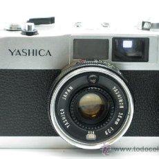 Cámara de fotos: CÁMARA YASHICA YASHINON ME 35 38 MM CON SU FUNDA AÑOS 70. Lote 52786786