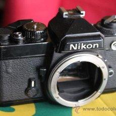 Cámara de fotos: NIKON FE NEGRA. Lote 35642375