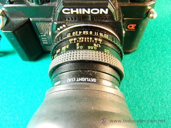 Cámara de fotos: CAMARA FOTOGRAFICA CHINON CE5 - REFLEX - OBJETIVO COSINON 1,7.50MM - PARASOL - FUNCIONA - AÑO 1985. - Foto 2 - 36888533