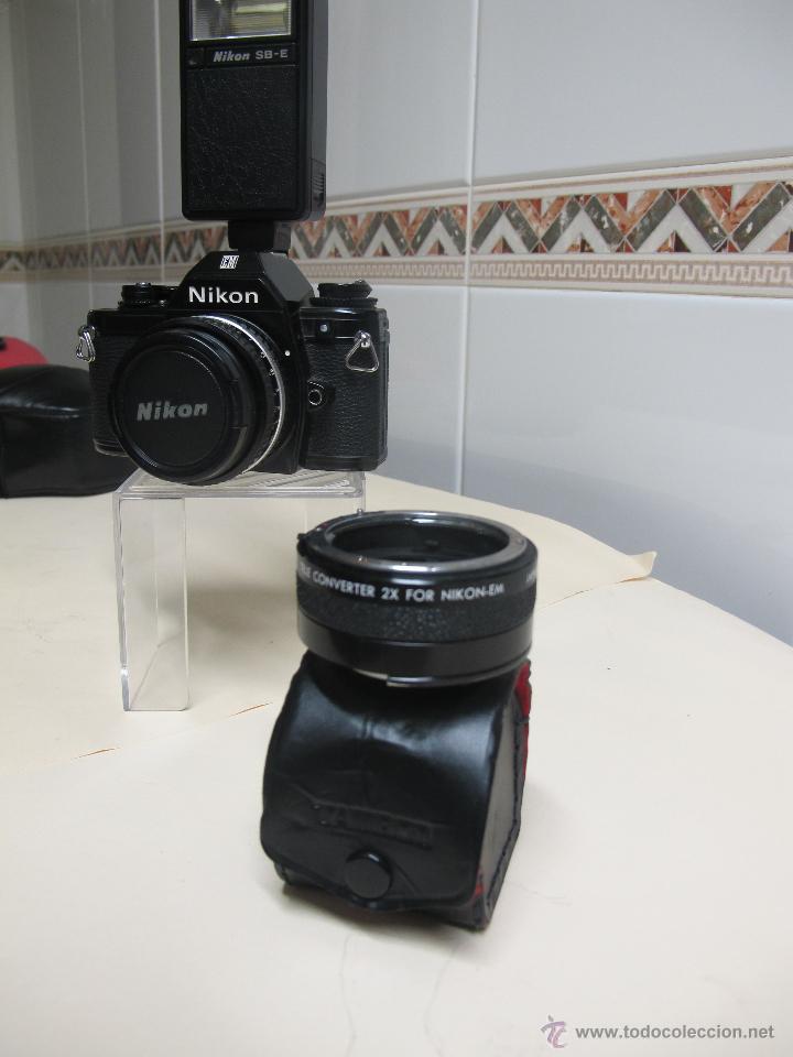 Cámara de fotos: CÁMARA NIKON EM + 50 MM/1,8 E + FLASH ESPECÍFICO SB-E + DUPLICADOR TAMRON EM + ESTUCHES - Foto 2 - 126614152