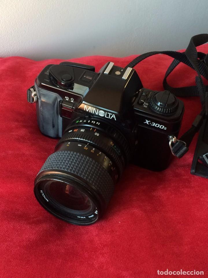 CAMARA FOTOGRAFICA MINOLTA X-300S. CON OBJETIVO MINOLTA 28-70 MM Y FLASH (Cámaras Fotográficas - Réflex (no autofoco))