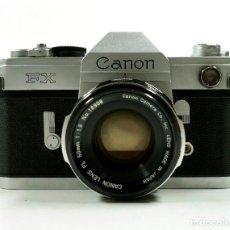 Cámara de fotos: CANON FX, CON OBJETIVO 50MM F1.8 EN BUEN ESTADO, CON INSTRUCCIONES. Lote 68117581