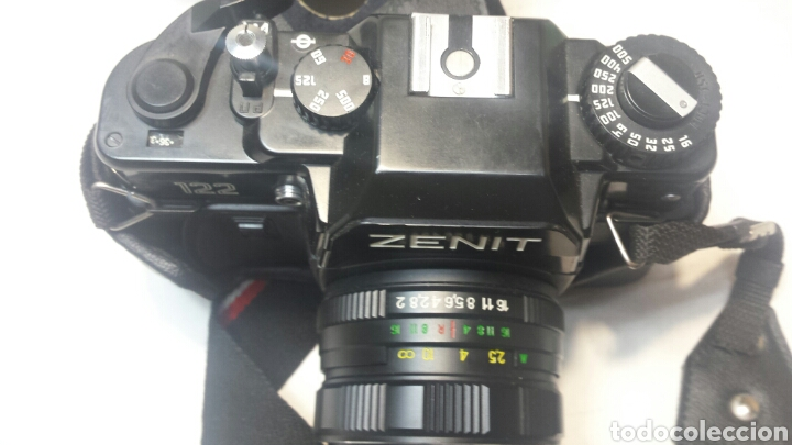 Cámara de fotos: Cámara Antigua Reflex de carrete con objetivo Zenit 122 con funda y correa original - Foto 2 - 72263437