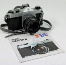 Cámara de fotos: CÁMARA REFLEX ASAHI PENTAX SP 1000 CON CATÁLOGO. Lote 111325247