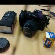 Cámara de fotos: CAMARA REFLEX CANON CON FLASH SUNPAK Y PELICULA. Lote 125906643