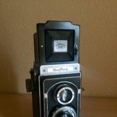 Cámara de fotos: IKOFLEX II 851/16 CON LENTE ZEISS TESSAR 75MM F3.5. Lote 133480826