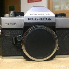 Cámara de fotos: FUJICA AUTO ELECTRO ST 901. Lote 142379958