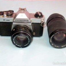 Cámara de fotos: PENTAX K 1000 ASAHI KIGAKU AÑOS 70 CON 2 OBJETIVOS INTERCAMBIABLES FUNCIONANDO. Lote 143125822