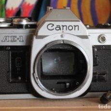 Cámara de fotos: CANON AE-1 CON RESPALDO FECHADOR. Lote 155577274