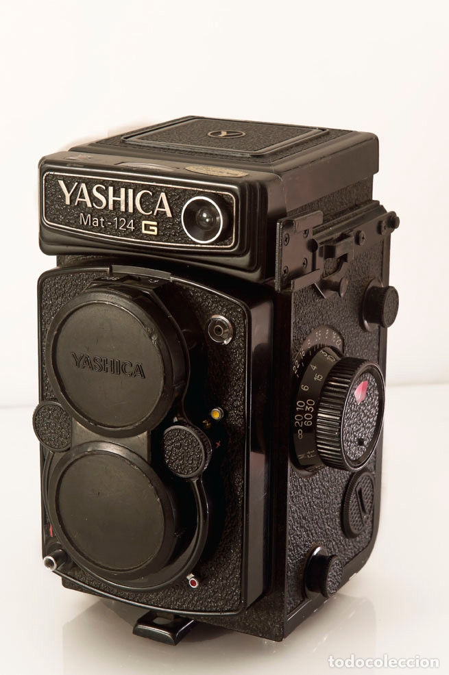 Cámara de fotos: CÁMARA YASHICA MAT-124G CON FUNDA ORIGINAL Y MANUAL DE INSTRUCCIONES. Estado excelente y funcionando - Foto 3 - 175980499