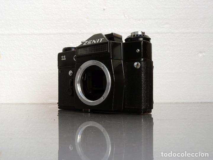 Cámara de fotos: CAMARA REFLEX ANALOGICA ZENIT 11-defectuosa (Ref 40) - Foto 3 - 180224795
