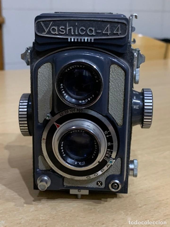 Cámara de fotos: YASHICA 44 - Foto 2 - 194749275