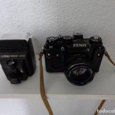 Cámara de fotos: CAMARA FOTOS REFLEX DE CARRETE RUSA USSR ZENIT 11 USADA + FLASH NUEVO METZ 28 AF - 4 N. Lote 202279410