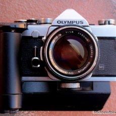 Cámara de fotos: OLYMPUS MECÁNICA OM 1.CON MOTOR Y ZUIKO OM 50 F/1,4. Lote 206224838