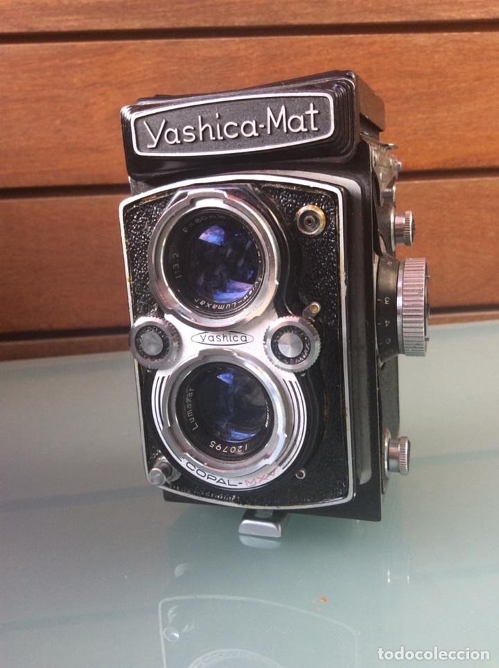 CÁMARA YASHICA MAT OBJETIVO MXV COPAL CON FUNDA ORIGINAL AÑOS 50/60 +MÁS PARASOL (Cámaras Fotográficas - Réflex (no autofoco))