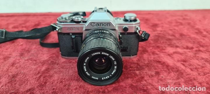 Cámara de fotos: COJUNTO DE CÁMARA CANON AE1. SLR 35 MM. REFLEX. OBJETIVOS CANON. JAPON. 1980. - Foto 3 - 211637980