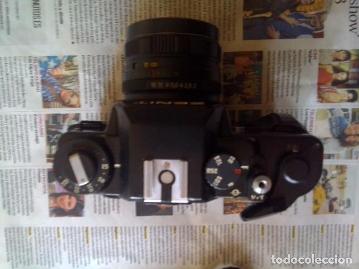 Cámara de fotos: lote cámara Zenit 122 + flash - Foto 2 - 218530136