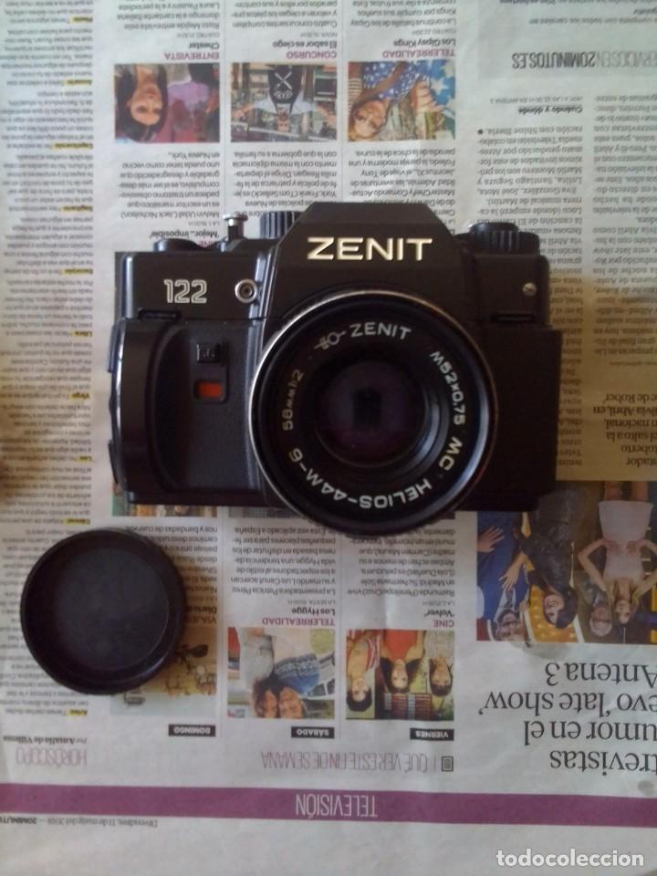 Cámara de fotos: lote cámara Zenit 122 + flash - Foto 6 - 218530136