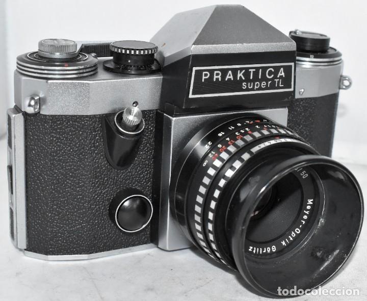 CAMARA REFLEX MANUAL..ALEMANIA (DDR) 1968..PRAKTICA SUPER TL+DOMIPLAN 2,8/50 Y PARASOL METAL (Cámaras Fotográficas - Réflex (no autofoco))