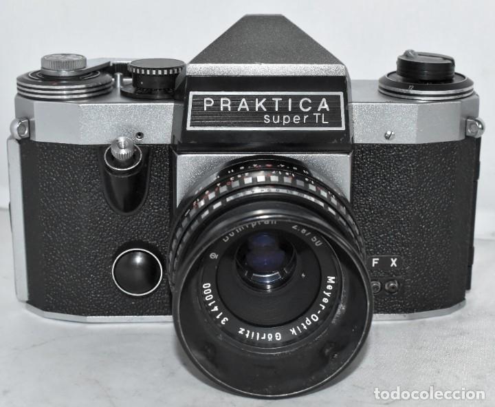 Cámara de fotos: CAMARA REFLEX MANUAL..ALEMANIA (DDR) 1968..PRAKTICA SUPER TL+DOMIPLAN 2,8/50 Y PARASOL METAL - Foto 2 - 220279555