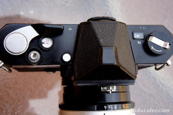 Cámara de fotos: NIKKORMAT NEGRA Con 200 F/4.Como nuevo. - Foto 4 - 222569075