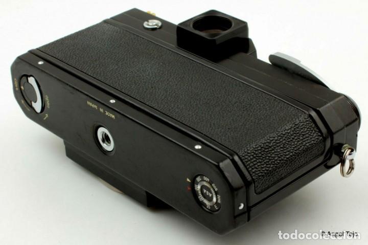 Cámara de fotos: NIKON F BLACK.con prisma SF y 35 mm F/2,8 - Foto 10 - 228159535
