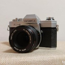 Cámara de fotos: CÁMARA YASHICA FX-2 + OBJETIVO YASHICA LENS ML MACRO 1:4 55 MM. Lote 231381655