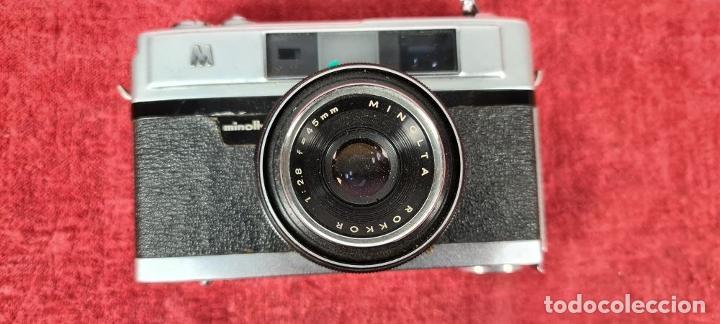 Cámara de fotos: CAMARA FOTOGRAFICA MINOLTA MODELO A-5. JAPÓN. FUNDA ORIGINAL DE CUERO. 1960. - Foto 4 - 240795190
