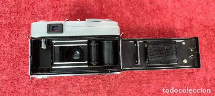 Cámara de fotos: CAMARA FOTOGRAFICA MINOLTA MODELO A-5. JAPÓN. FUNDA ORIGINAL DE CUERO. 1960. - Foto 6 - 240795190