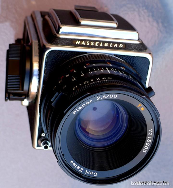 Cámara de fotos: HASSELBLAD 500 CM CLASSIC. Planar 80 F/ 2,8 T*.CF Series, Chasis A-12. - Foto 9 - 246706970