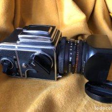 Cámara de fotos: CAMARA HASSELBLAD 500 CM CLASIC OBJETIVO, PLANAR 80 F/ 2,8 T*.CF CHASIS PELICULA A-12. Lote 253434660