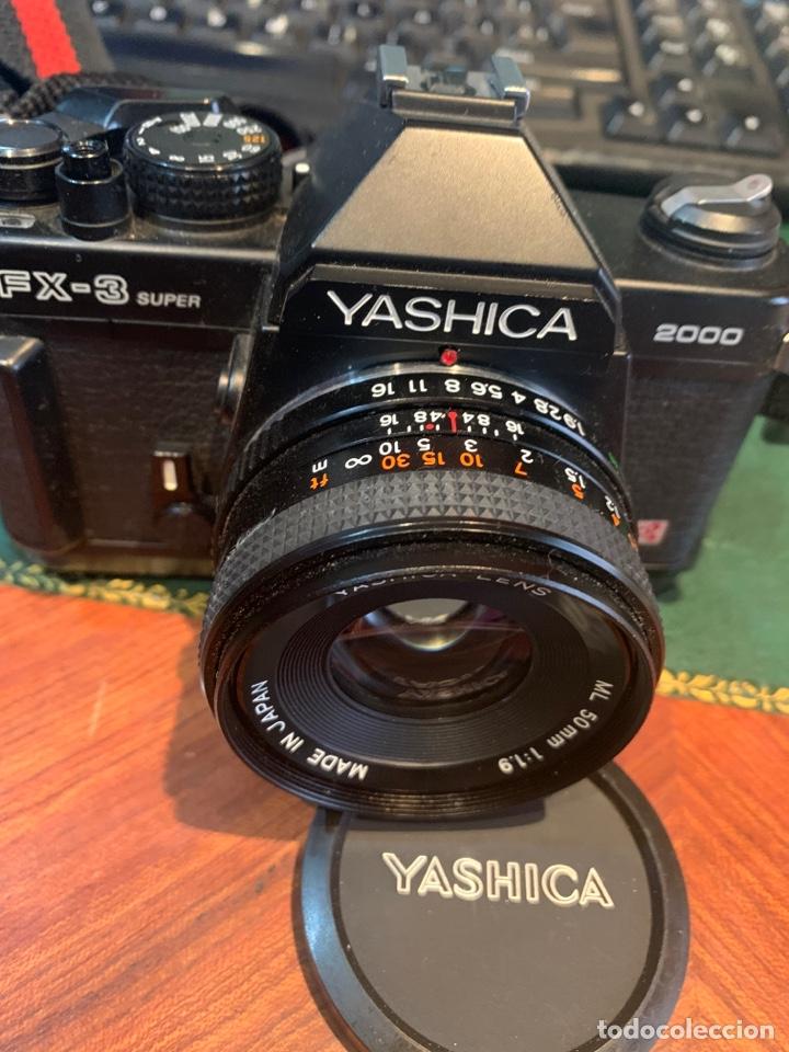 Cámara de fotos: Yashica Fe-3 súper 2000 + Lente Yashica 50 mm + manual instrucción y funda - Foto 2 - 254861685