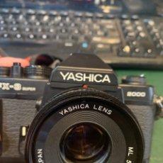 Cámara de fotos: YASHICA FE-3 SÚPER 2000 + LENTE YASHICA 50 MM + MANUAL INSTRUCCIÓN Y FUNDA. Lote 254861685