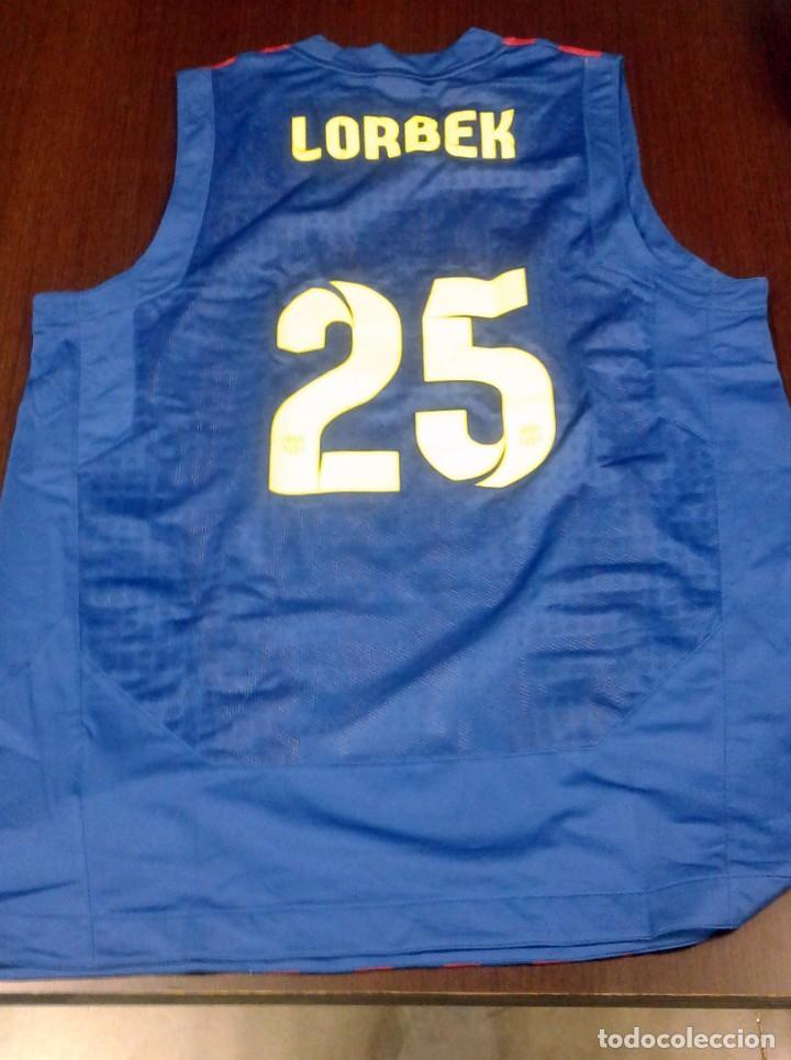 Coleccionismo deportivo: Camiseta oficial de Erazem Lorbek firmada. FCBarcelona sección baloncesto - Foto 3 - 84792484