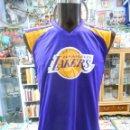 Coleccionismo deportivo: CAMISETA DE BASKET. BALONCESTO. NBA LOS ANGELES LAKERS. TALLA M. KOBE BRYANT DORSAL 24. TDKDEP3. Lote 115498231