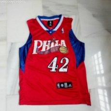 Coleccionismo deportivo: CAMISETA BALONCESTO BASKET NBA PHILADELPHIA BRAND NÚMERO 42. Lote 131049696