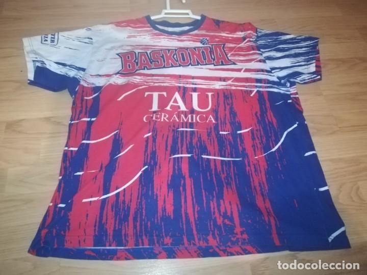 CAMISETA TAU BASKONIA, VITORIA (Coleccionismo Deportivo - Ropa y Complementos - Camisetas otros Deportes)