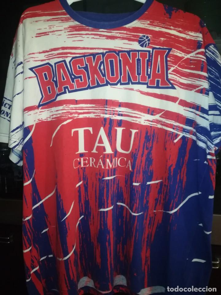 Coleccionismo deportivo: CAMISETA TAU BASKONIA, VITORIA - Foto 3 - 153869406