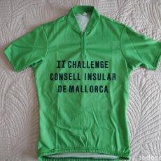 Coleccionismo deportivo: MAILLOT CICLISMO. CHALLENGE MALLORCA. VINTAGE. COLECCIONISMO. Lote 167199180