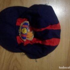 Coleccionismo deportivo: FC BARCELONA VINTAGE GORRA CAP FOOTBALL BUFANDA SCARF FUTBOL FOOTBALL. Lote 185724881