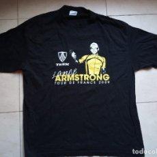 Coleccionismo deportivo: CAMISETA LANCE ARMSTRONG TOUR DE FRANCIA 2009 CICLISMO A FONDO. T-SHIRT. TALLA M. Lote 206509781