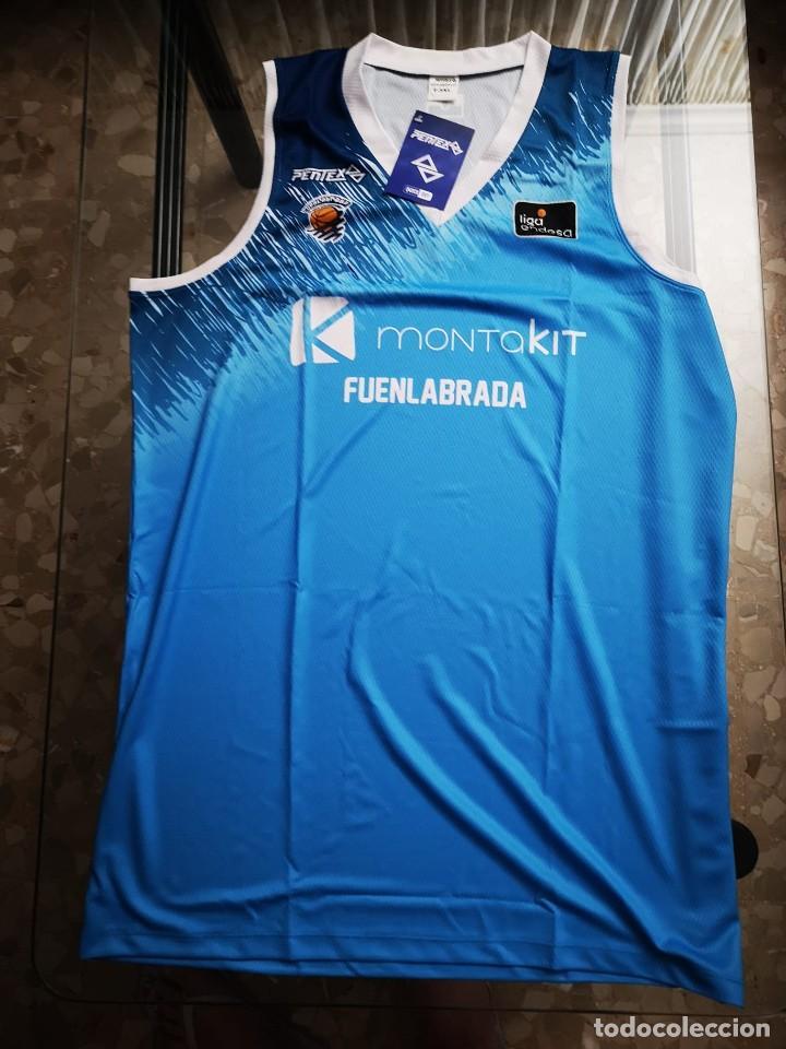 Coleccionismo deportivo: El BALONCESTO FUENLABRADA nos dona una camiseta del club - Foto 2 - 210979129