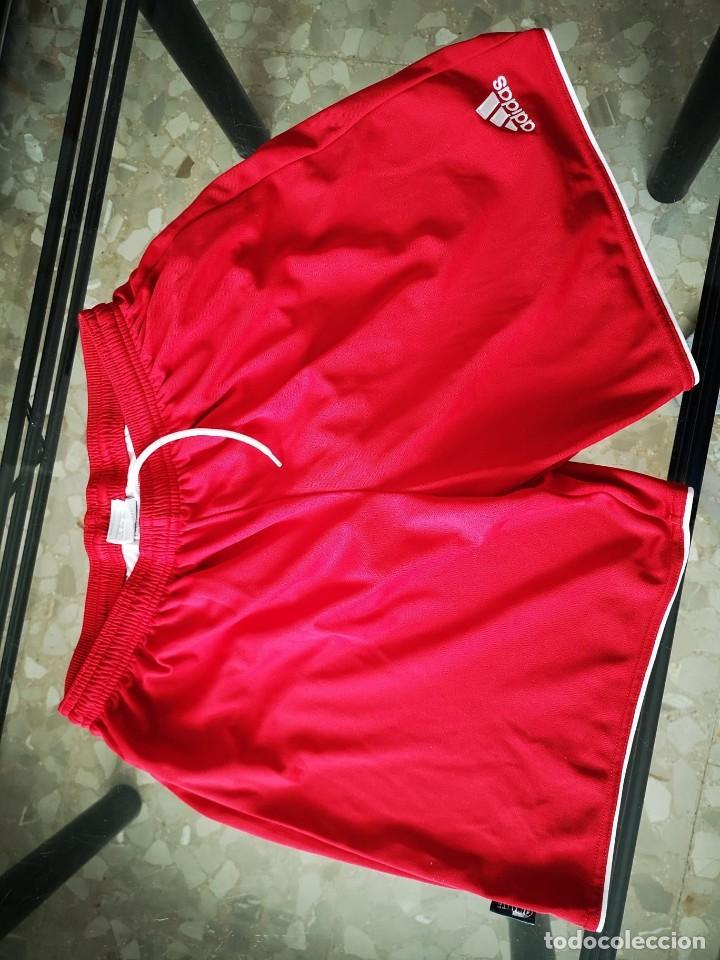 Coleccionismo deportivo: El jugador de fútbol sala JOSE CARLOS LÓPEZ dona equipación del SQUARE DUBROVNIK - Foto 2 - 210979372