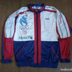 Coleccionismo deportivo: SUDADERA VINTAGE FILA ATLANTA 1996 100 ANIVERSARIO JUEGOS OLÍMPICOS USA CHÁNDAL RETRO CAZADORA. Lote 219411592