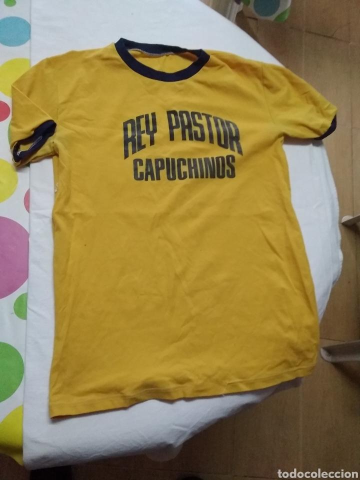 Coleccionismo deportivo: ANTIGUAS CAMISETAS (AÑOS 70 INICIO DE LOS 80) REY PASTOR CAPUCHINOS - Foto 6 - 219605253
