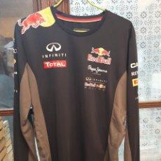 Coleccionismo deportivo: RED BULL F1 TEAM-PEPE JEANS CAMISETA MANGA LARGA. Lote 230059020