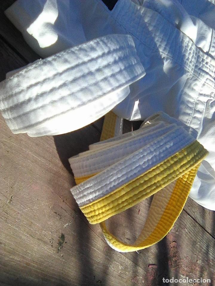 Coleccionismo deportivo: kimono kárate niño talla 120 cm. con dos cinturones - Foto 3 - 245637640