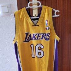 Coleccionismo deportivo: CAMISETA LAKERS GASOL CHAMPION NBA. Lote 268761414